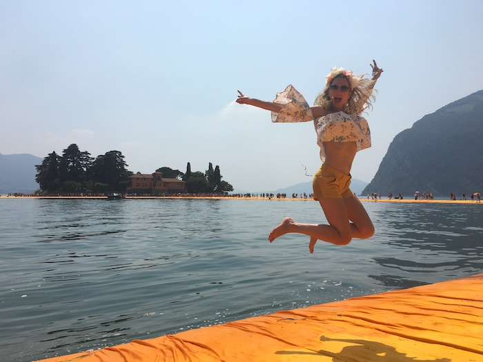 jumping-on-the-floating-piers-09