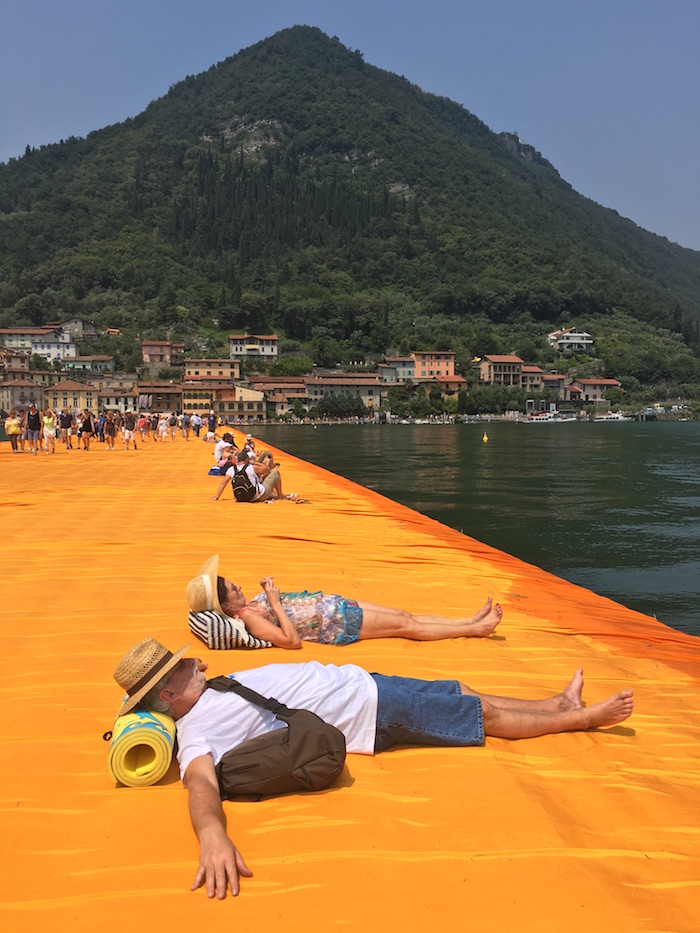 relax-on-the-floating-piers-18