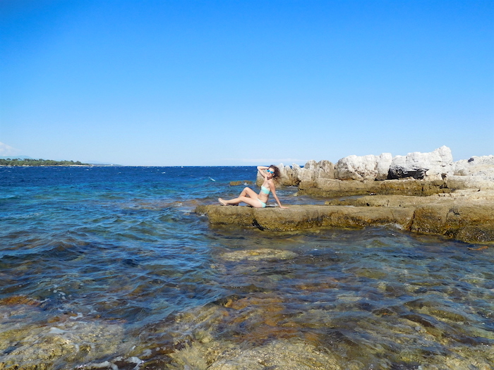 bikini-on-the-rocks-saint-honorat-islands-cannes-2016-03