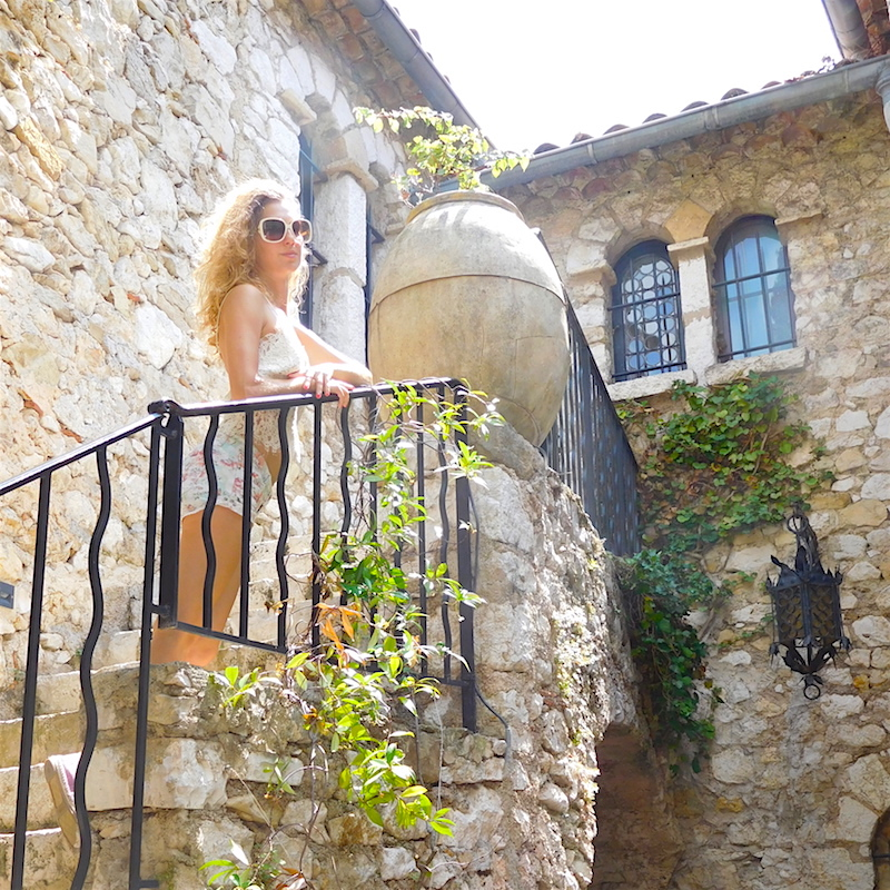 dame-traveler-travel-blogger-eze-village-summer-2016-05