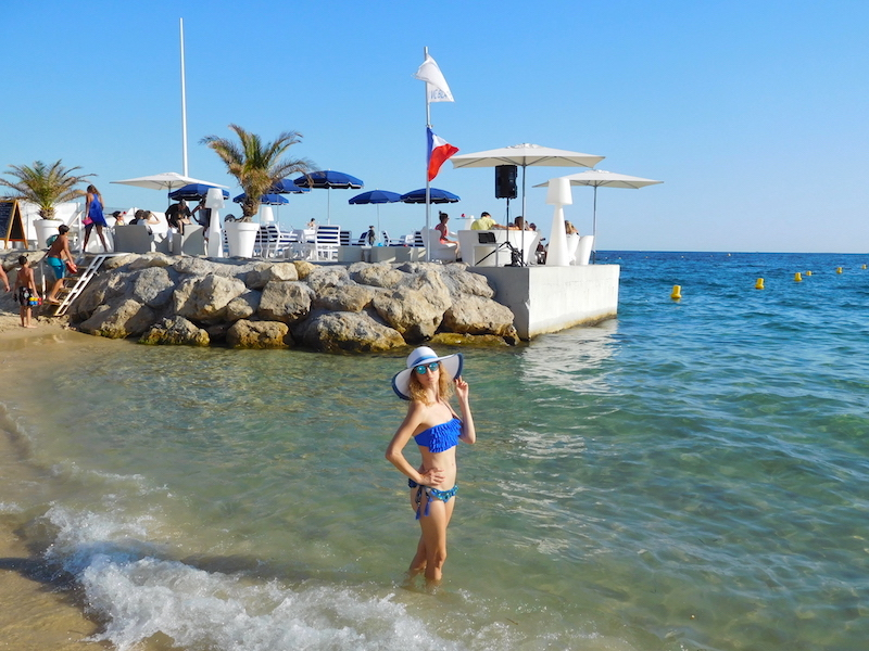french-blogger-blue-bikini-summer-2016-juan-les-pins-10