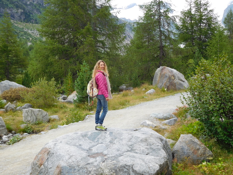 morteratsch-glacier-engadina-mountain-girls-07
