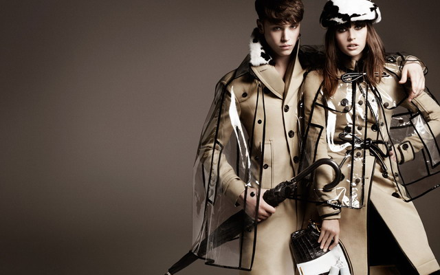 burberry-transparent-raincoat