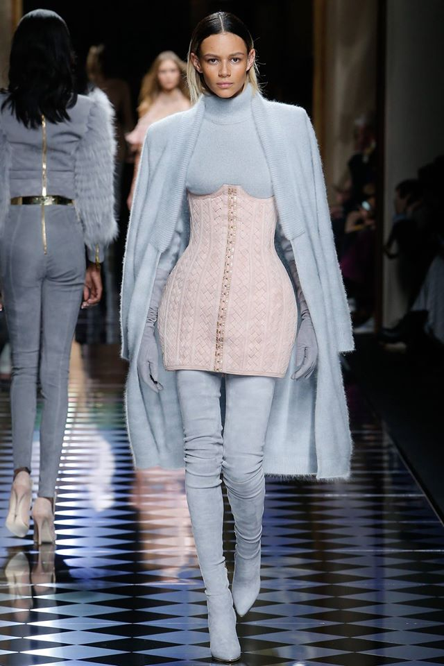 Airy Blue Trend Color V Fashion World
