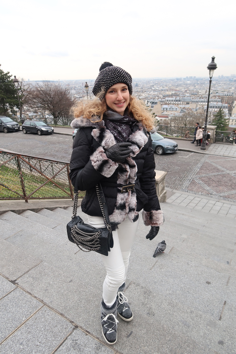 winter-casual-chic-look-in-paris-montemartre-jan-17-01