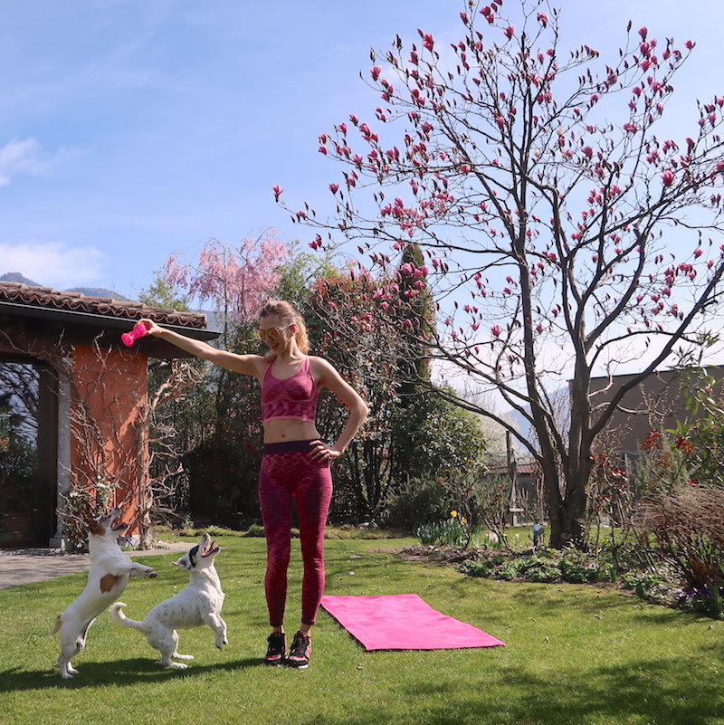 outdoor-fitness-with-dogs-09
