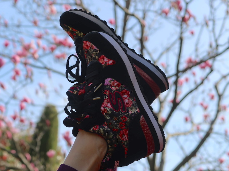 skechers-flower-print-shoes-04