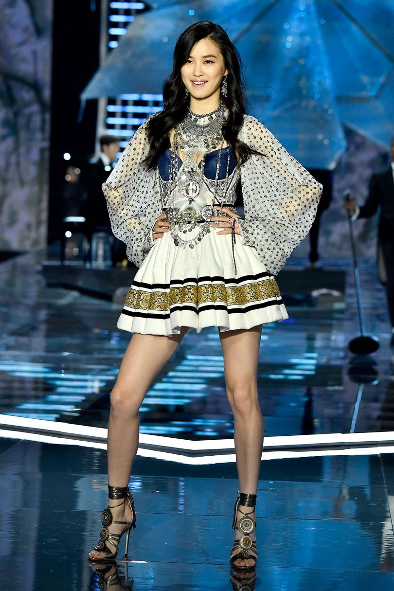 Chinese Models For Victoria's Secret Fashion Show In