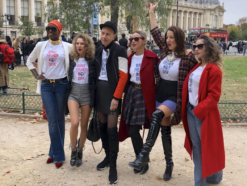 valentina-nessi-collections-the-best-events-of-2018-make-fashion-not-war-street-show-paris-09