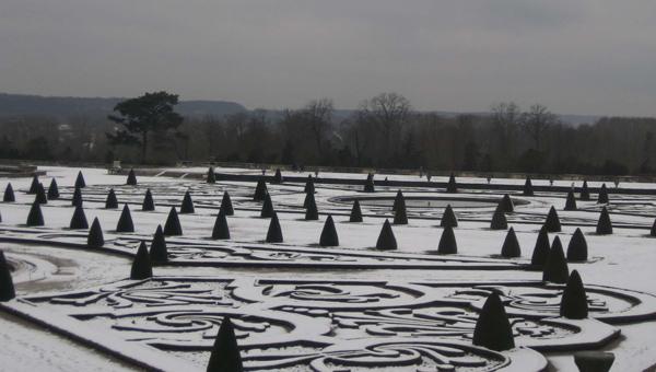 les jardins de Versailles avec la neige