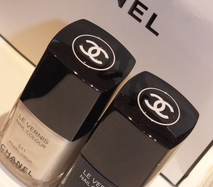 The new winter CHANEL Nail Colours