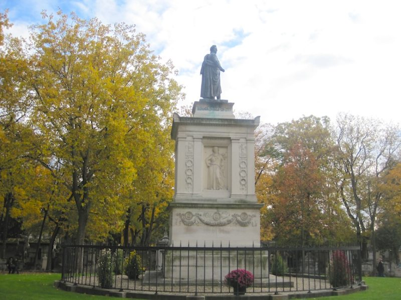 Day of Dead, Place of the Dead: PERE LACHAISE
