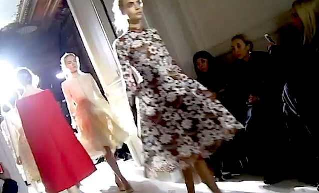 VALENTINO HAUTE COUTURE Front Row Video