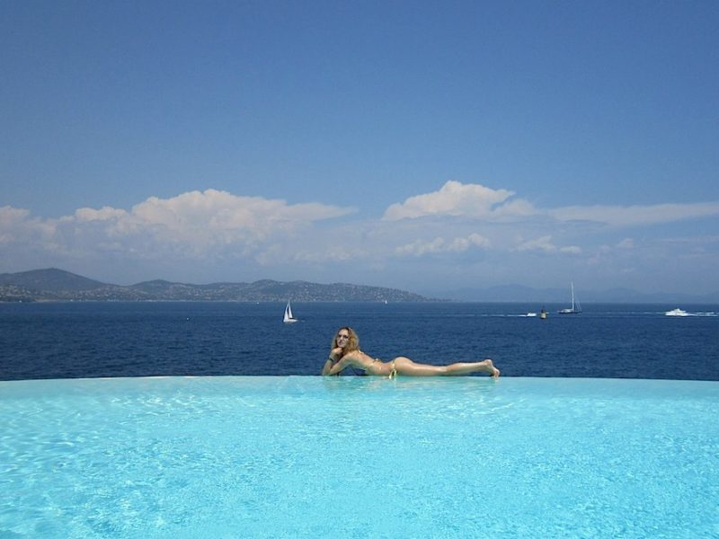 Infinity Pool Party in St.Tropez