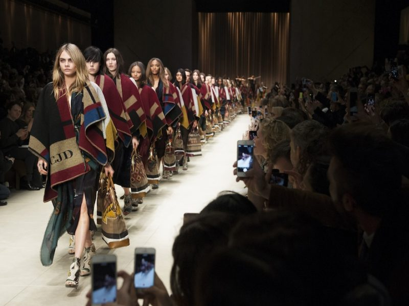 BURBERRY PRORSUM Fall Winter 2014-2015 Fashion Show