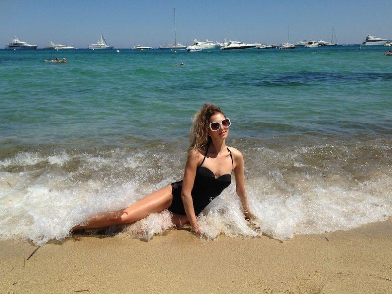 BEACH LIFE IN SAINT TROPEZ
