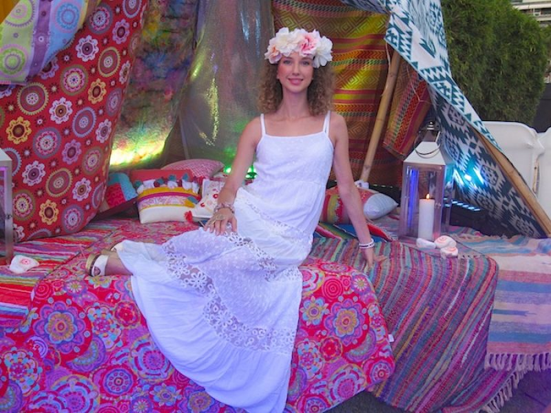 WHITE HIPPE DRESS AT FLOWER POWER PARTY