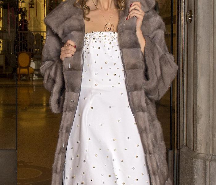 Antoniette Dema Luxury furs Editorial al Chateau Monfort