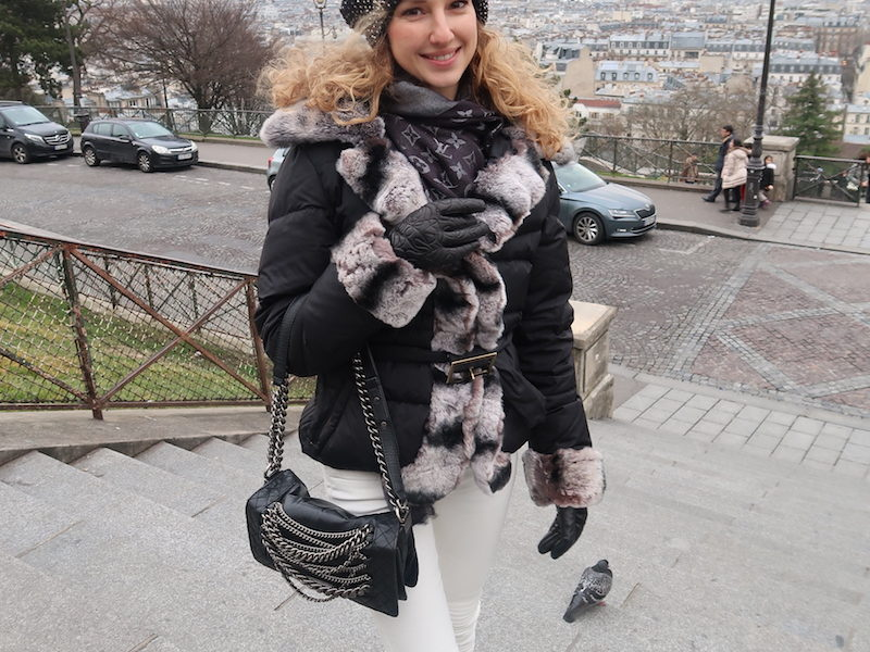 CASUAL CHIC WINTER LOOK IN PARIS