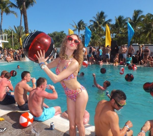 The Perry pool party a Miami South Beach